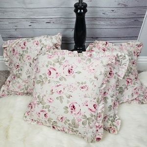 Other - Set of 4 pink floral pillows